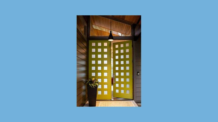 Pintu Kupu Tarung dengan Kotak kotak Kaca
