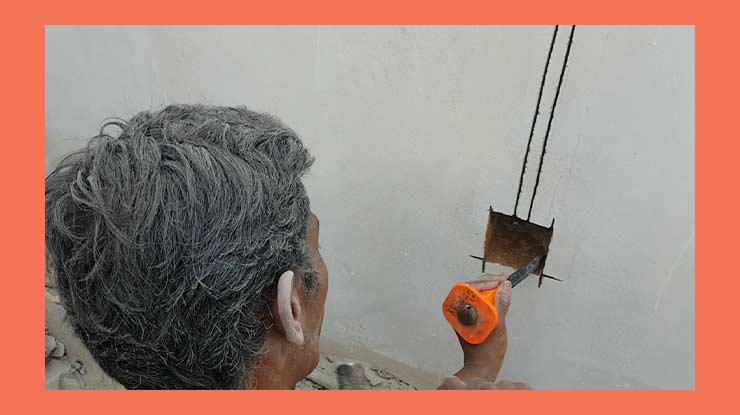 Buat Lubang Tempat Pemasangan Saklar Lampu Tunggal